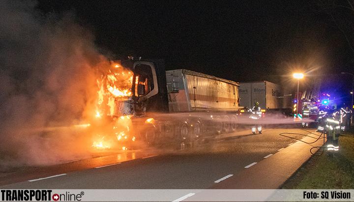 Vrachtwagentrekker volledig uitgebrand in Zuilichem [+foto]