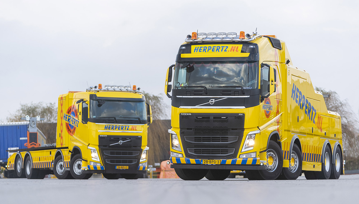 Twee Volvo FH-bergingstrucks voor Herpertz