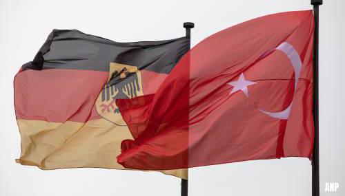 Turks vrachtschip 'Rosaline A' stuurt Duitse controleurs wapenembargo weg