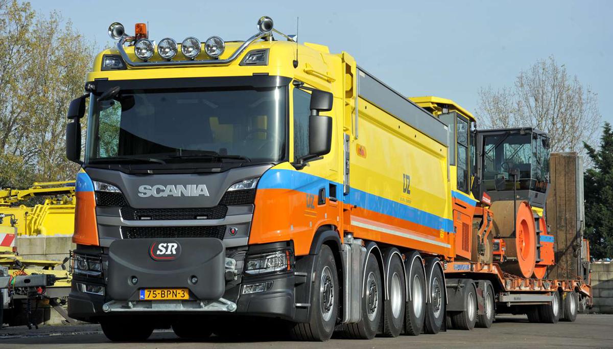 De Scania 10x4 Quadro van Veldhuizen Wagenbouw