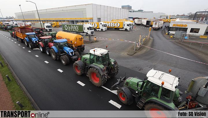 Boerenprotest bij meerdere dc's van Jumbo [+foto's]