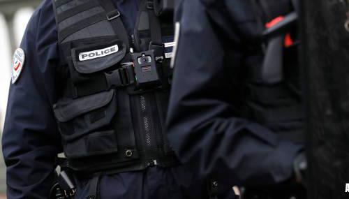 Franse agenten doodgeschoten, dader dood aangetroffen