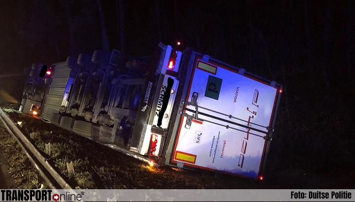 Vrachtwagen gekanteld op Duitse A65 [+foto]