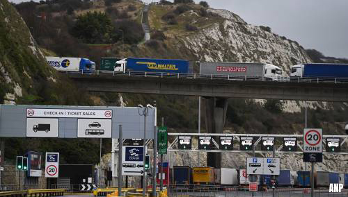 Graafschap Kent sluit snelwegen naar Dover voor vrachtverkeer