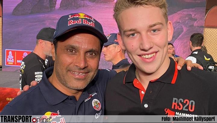 Mitchel van den Brink verricht openingshandeling Dakar Rally 2020