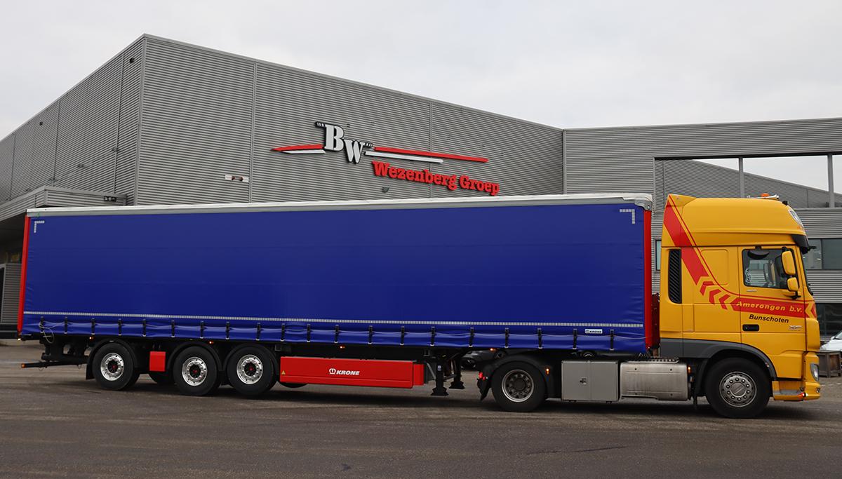Nieuwe gestuurde Krone Tautliner voorzien van Kooi Aap aansluiting voor Amerongen Transport en Machineverhuur B.V.