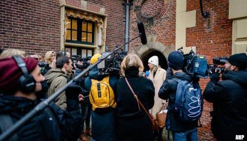 Meer drukte en politie op Binnenhof in verband met aftreden kabinet