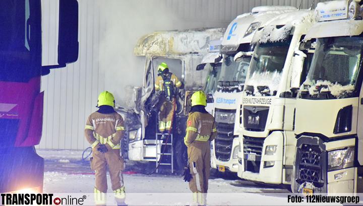 Vrachtwagen uitgebrand in Venlo [+foto]