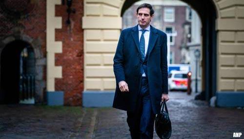 Links verbolgen over uitspraken Hoekstra over bezuinigingen