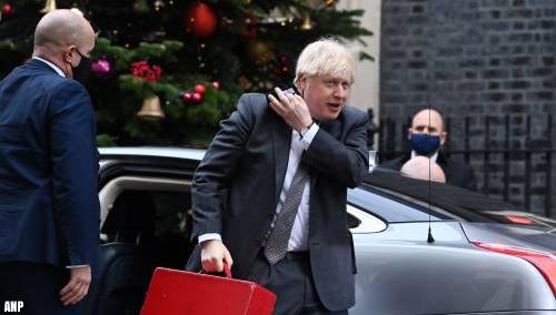 Johnson spreekt Britten toe over strengere coronamaatregelen