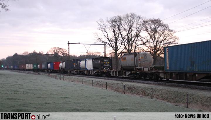 Defecte goederentrein blokkeert spoor bij Notter [+foto]