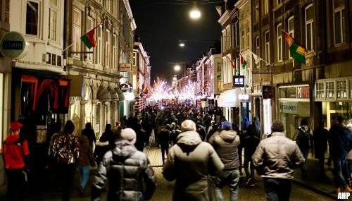 Vele honderden mensen lopen gezamenlijk door Maastricht [+video]