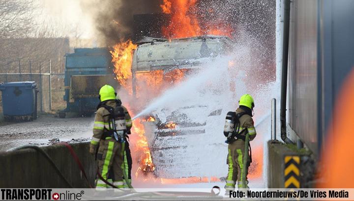 Vrachtwagen in brand in Drachten [+foto]