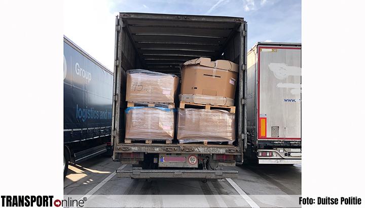 Duitse politie haalt verkeersonveilige vrachtwagen van de weg [+foto's]