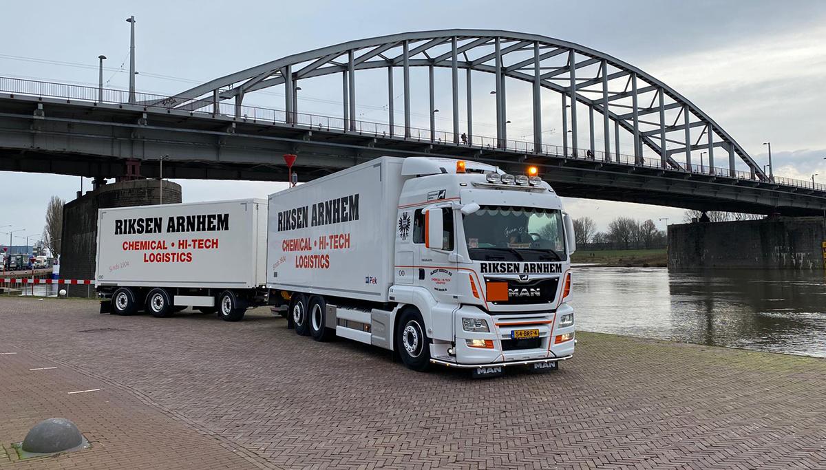 Nieuwe MAN combi afgeleverd aan Albert Riksen BV