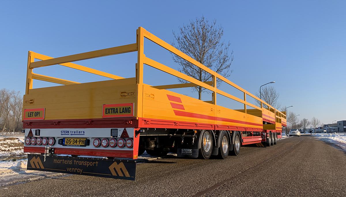 Open opleggers in LZV voor Martens Transport Venray