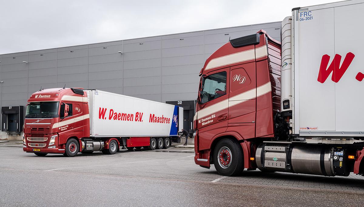Twee Volvo FH 460 LNG-trekkers voor transportbedrijf W. Daemen