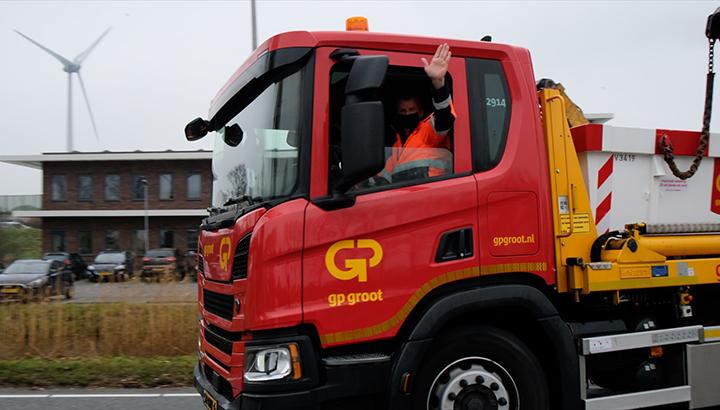 Chauffeur Wilfred is duizendste medewerker bij GP Groot [+video]