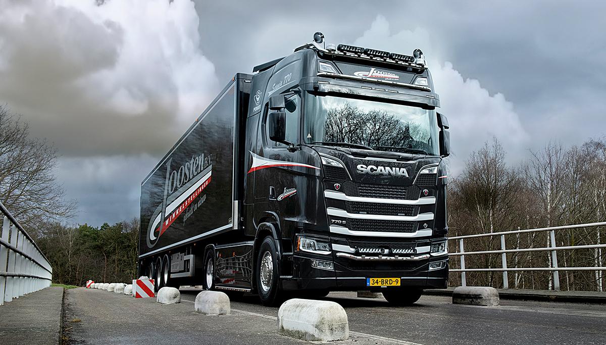 Scania 770S V8 voor Joosten Winkelstellingen