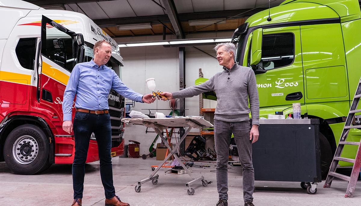 Simon Loos neemt Autospuiterij Nico Mooij over