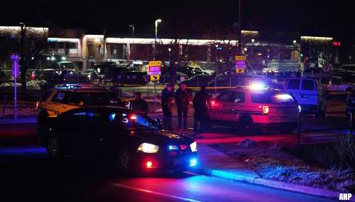 Tien doden, onder wie agent, na schietpartij bij supermarkt in VS