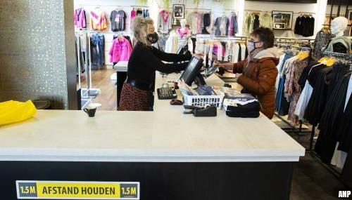 Winkels Klazienaveen sluiten na waarschuwing gemeente