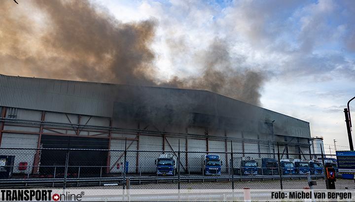 Grote brand bij Renewi in Westelijk Havengebied Amsterdam [+foto's]
