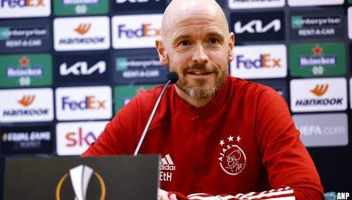 Trainer Erik ten Hag blijft Ajax voorlopig trouw