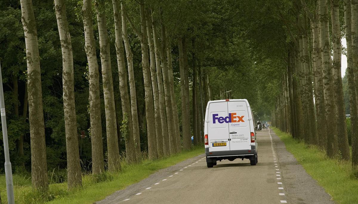 FedEx Express en Natuur & Milieu gaan samenwerken om duurzame oplossingen voor de transportsector te versnellen