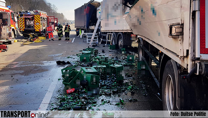 Vrachtwagenchauffeur rijdt in op file Duitse A5 [+foto]
