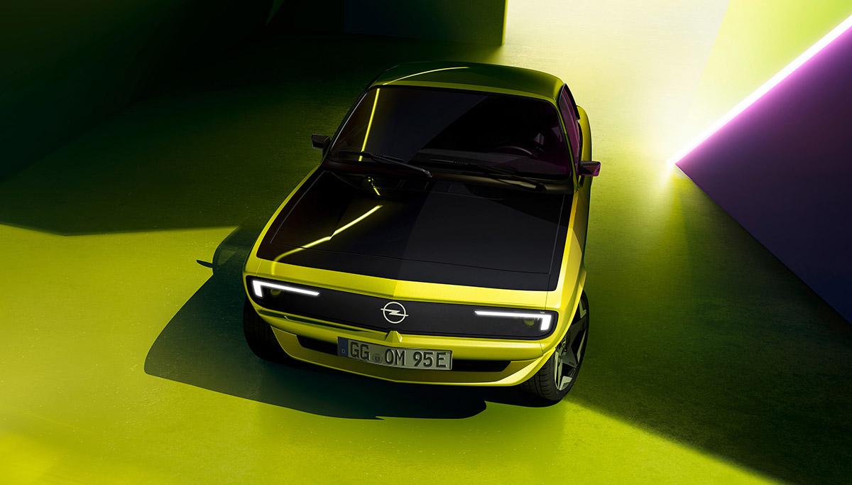 Nieuwe Opel Manta GSe ElektroMOD toont innovatieve glimlach