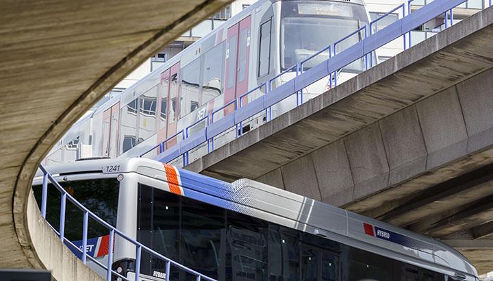 Jaarcijfers RET 2020: halvering reizigers, ruim elf miljoen euro verlies