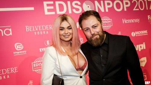 Manager en verloofde Roxeanne Hazes reageert op Hazes-docu
