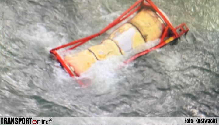 Kustwacht onderzoekt veilig bergen verloren tankcontainer van de 'Baltic Tern'