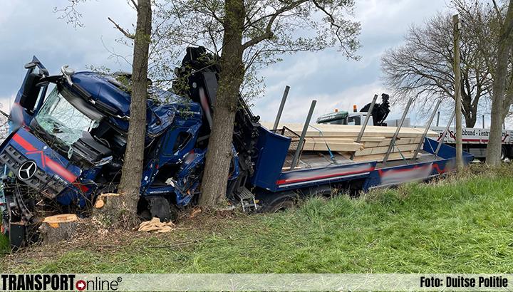 Duitse L333 urenlang afgesloten na ernstig ongeval met vrachtwagen [+foto]