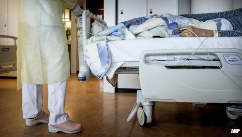 Veel minder coronapatiënten in ziekenhuizen, ook minder opnames
