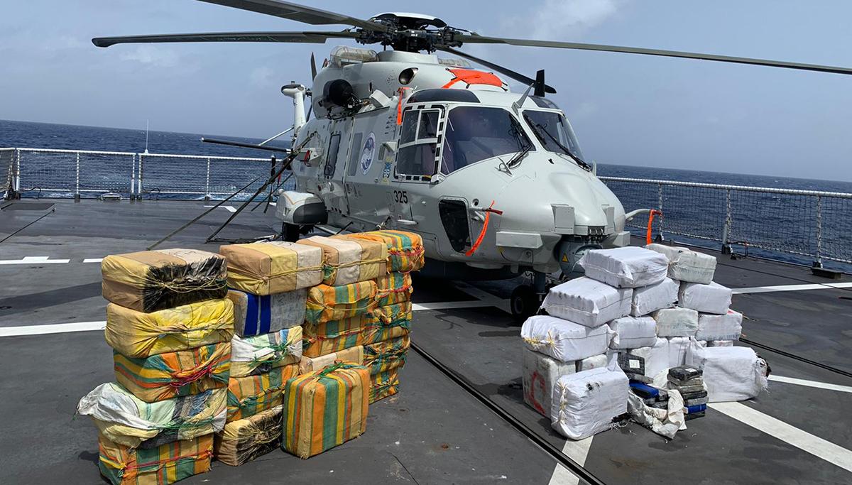 Marine doet twee grote drugsvangsten in één nacht in Caribisch gebied