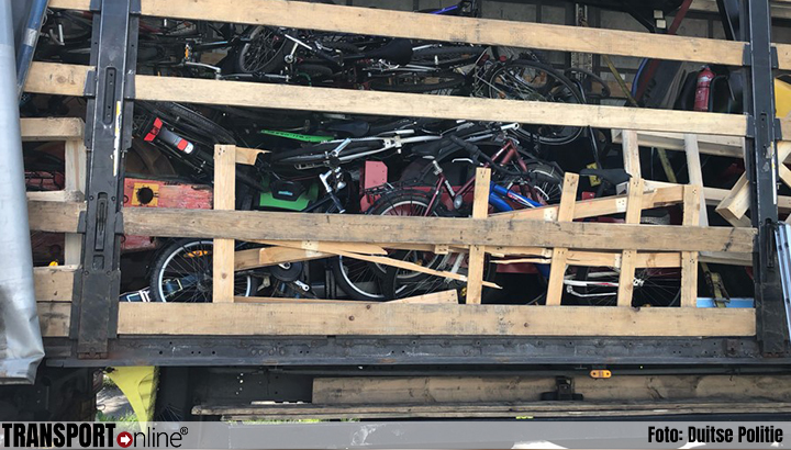 Vier Albanezen laden grote lading fietsen in waaronder gestolen exemplaren [+foto's]