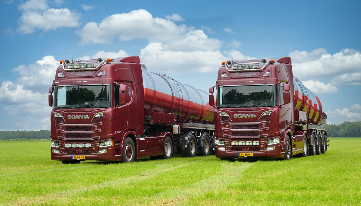Loeffen koopt twee Scania's R520 V8 voor zijn chauffeurs