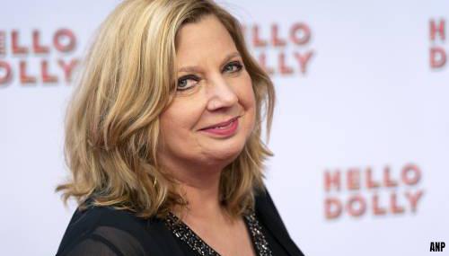 Loretta Schrijver in het ziekenhuis vanwege darmkanker