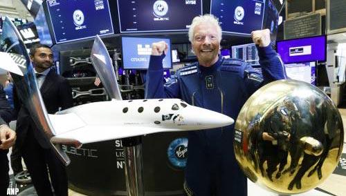 Virgin Galactic mag commercieel vliegen naar de ruimte