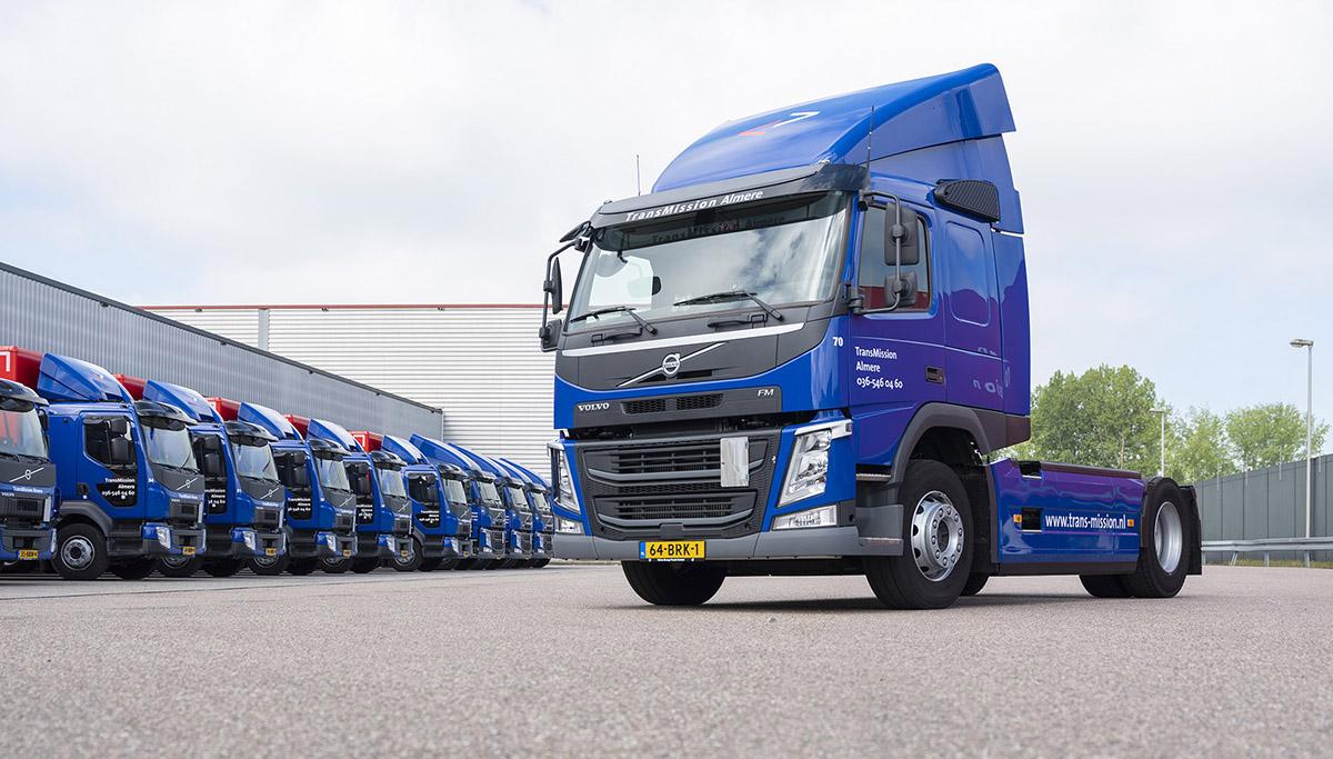 Vijf Volvo FM-trekkers en negen Volvo FL bakwagens voor TransMission Almere