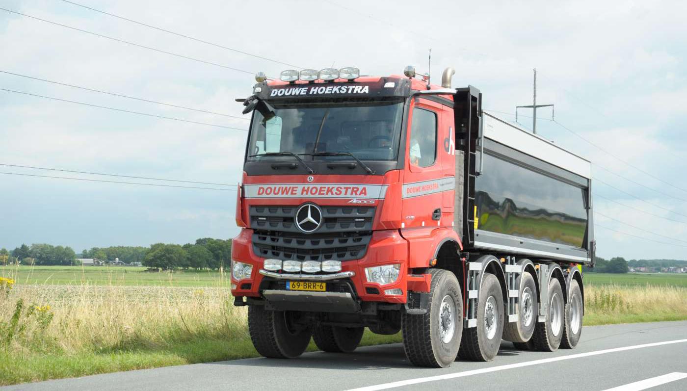 Mercedes-Benz Arocs 10x8 voor Douwe Hoekstra