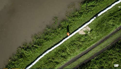 Dijkdoorbraak Reeuwijk komt niet door wateroverlast Limburg