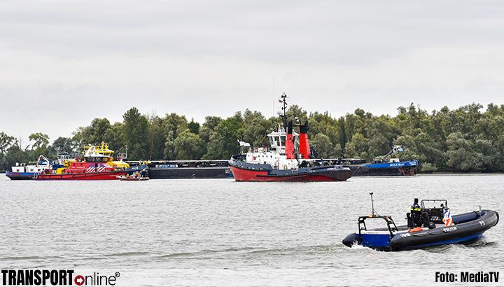 Aanvaring tussen twee tankers op de Oude Maas [+foto]