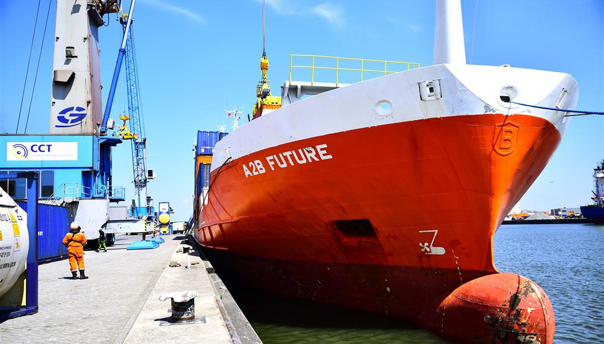 Walstroomvoorziening zeevaart op Moerdijkse havenkades stap dichterbij