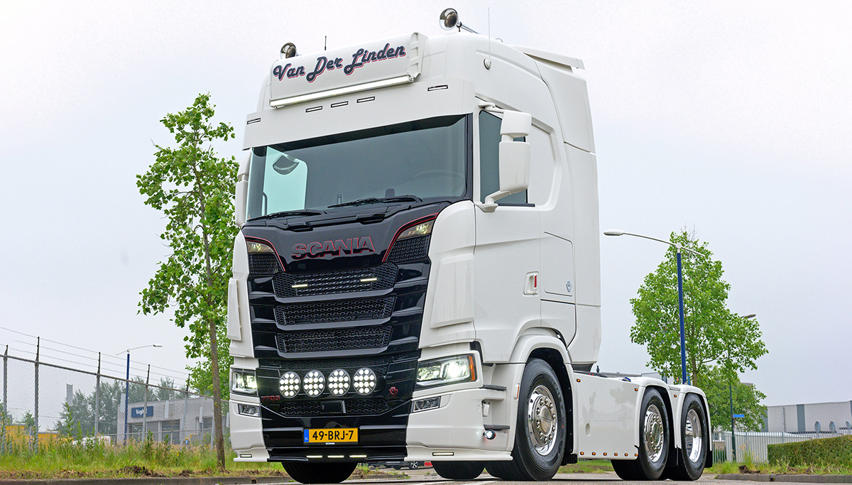 Van der Linden koopt Scania 770S V8
