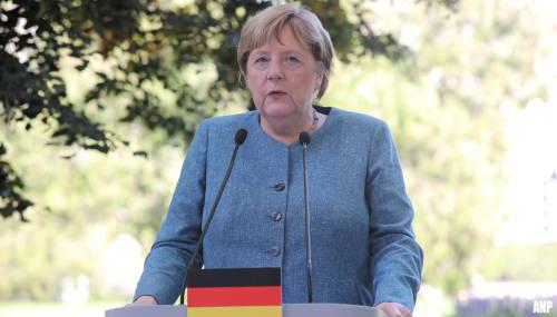 Merkel roept Duitsers op zich te laten vaccineren