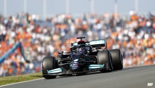 Lewis Hamilton nipt sneller dan Verstappen in eerste training