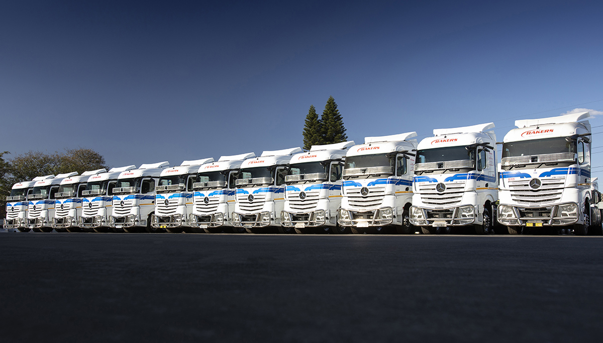 Grote aflevering voor Daimler Trucks Zuid-Afrika: 90 Actrossen voor Bakers SA Limited